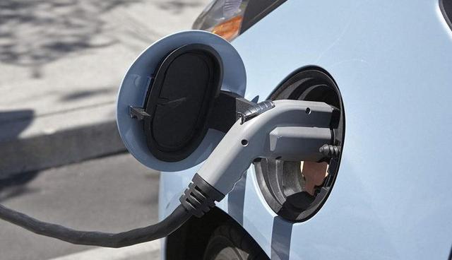 油电混动、插电混动和纯电动3种新能源汽车,谁更适合家用?