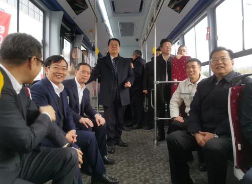 加氫15分鐘,續航600公里,寧波首臺氫燃料電池公交車正式下線