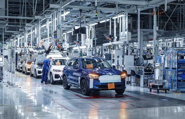 全球销量下滑中国市场逆袭,宝马将成中国的宝马,难怪新车先国产