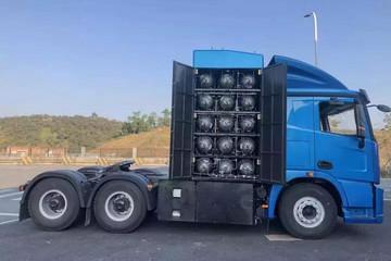 15个储氢罐,满载40吨,续航400公里,佛山飞驰氢能牵引车亮相