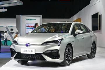 续航里程超400km 价格15万元左右的纯电动轿车哪家强?