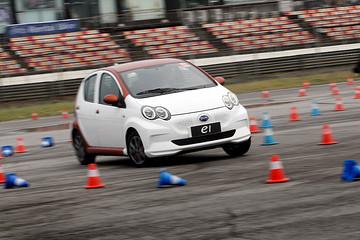 一电试车   微型车遇见赛道 比亚迪e1的疯狂5.9s