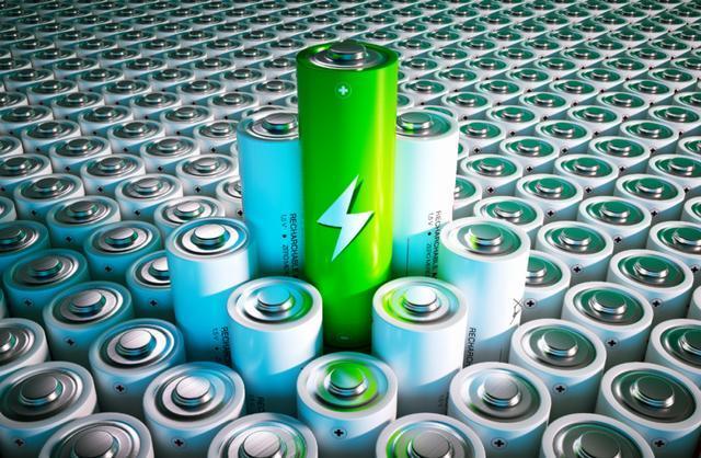 动力电池技术革命大幕开启!刀片电池vs超级电池,你更pick哪一个?