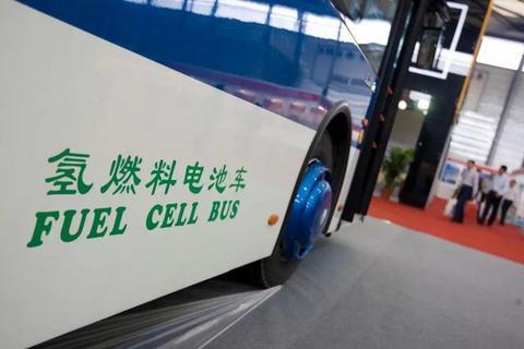 """氢燃料电池汽车""""由商转乘"""",还需迈过几道坎?"""