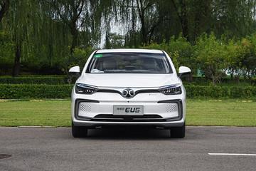 都市上班族首选 续航超400km十五万元左右纯电轿车推荐