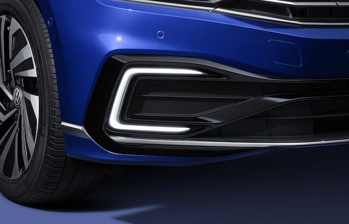 VW-新迈腾GTE-日行灯-A001z交稿.jpg