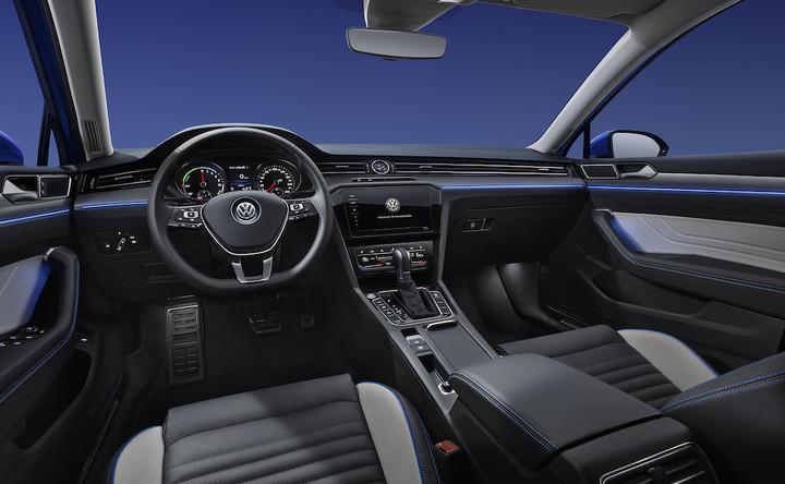 VW-新迈腾GTE-正面大内饰-006交稿.jpg