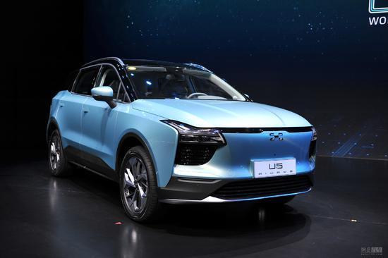 爱驰U5全球首发 智简美学纯电中型SUV