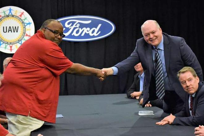 拒绝接棒通用,福特与UAW达成临时协议