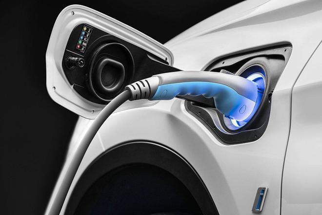 新能源汽车穿越
