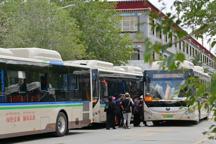 西藏投放80辆新能源公交车 保雪域蓝天