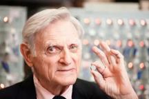 """专访""""锂电之父""""John Goodenough:电池技术的未来!"""