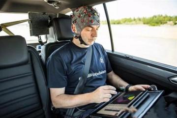 采埃孚利用人工智能检测乘客是否晕车