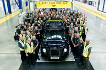 伦敦电动汽车第2500辆全新TX电动出租车正式下线