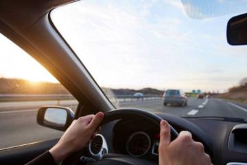 阿联酋高中生研发智能道路安全设备 可唤醒昏昏欲睡的驾驶员
