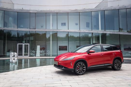 新能源车企带牌租车门道多 但是合理么?