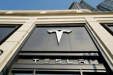 马斯克:Model S在美国拉古纳塞卡赛道创造4门轿车最快圈速纪录