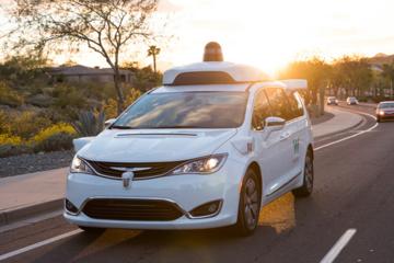 Waymo确认提供无安全员自动驾驶出租车服务 试图扩大盈利渠道