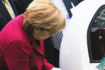 """最后一届任期,默克尔猛""""来电""""  德国欲跑出电动化加速度"""