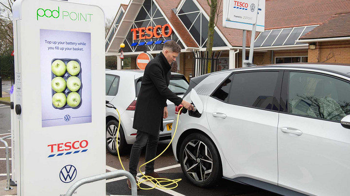 volkswagen-id-3-and-e-golf-at-tesco-charging-station (1).jpg