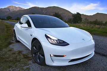 特斯拉超越比亚迪,成为2019交付电动汽车最多品牌