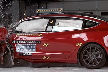 特斯拉Model 3获得IIHS最佳安全选择+奖