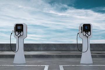 新能源汽车电池之战:宁德时代神话不再?
