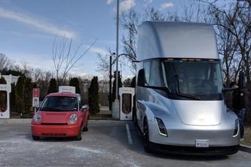 特斯拉首次官宣:电动大卡车下半年量产