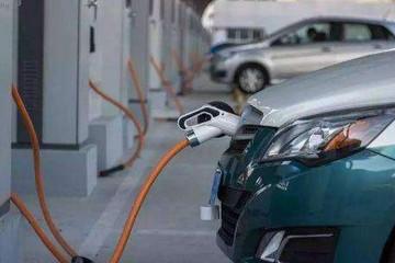 陈清泰:预计到2025年前后电动车性价比将超过燃油车