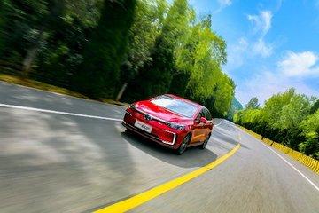 电动汽车是否安全?全球首次三车双重碰撞测试将给出答案