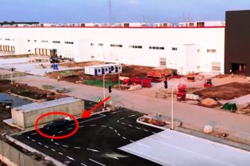 Model 3现身特斯拉上海工厂测试跑道 或下周投产