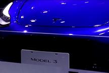 国产Model 3车展亮相,特斯拉展厅热度依旧