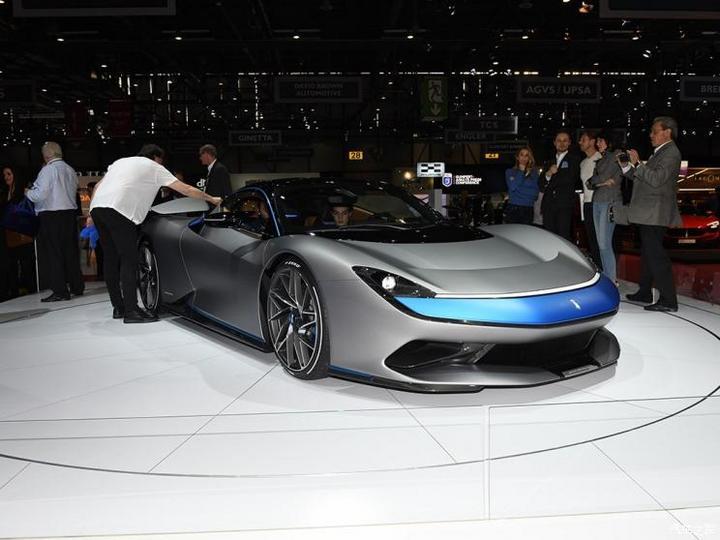 宾尼法利纳 Battista 2019款 基本型