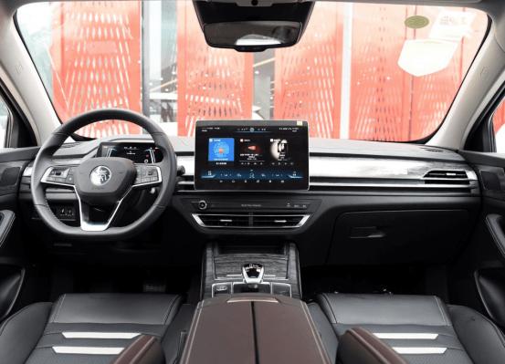 国产新能源车的对比,比亚迪秦ProDM对比名爵6新能源