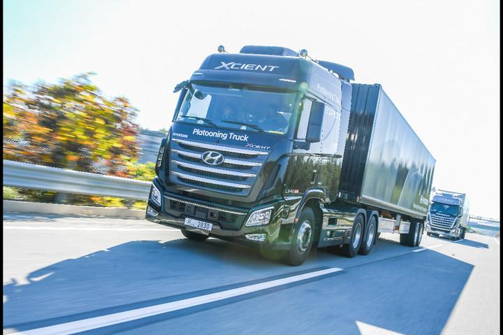 现代汽车进行卡车编队试验 领头卡车与后方卡车保持16.7米距离
