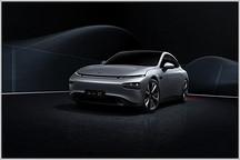 综合性能媲美纯电标杆 小鹏P7对比Model S