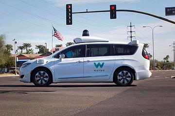 Waymo测试暂停,曾认为自动驾驶可保护司机健康