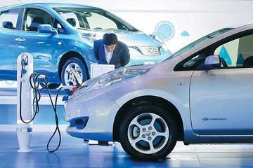 新能源成为政府报告重点,车企代表都在讨论什么?