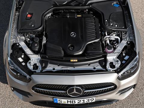 Mercedes-Benz-E-Class-2021-1280-2f.jpg