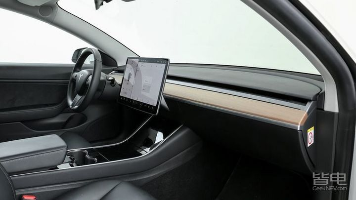媲美超跑的体验 特斯拉Model 3 全驱性能版深度试驾