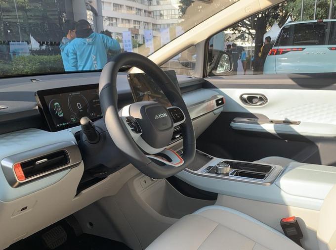 广汽埃安全新小型SUV街拍 造型足够科幻/4月上市-图3