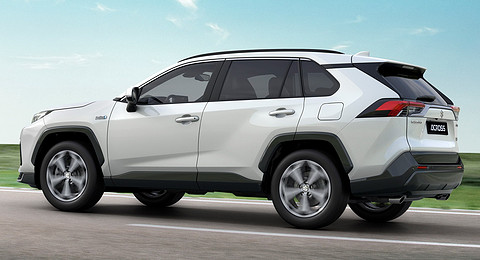 suzuki-across-suv-revealed-as-toyota-rav4-plug-in-with-different-face_4.jpg