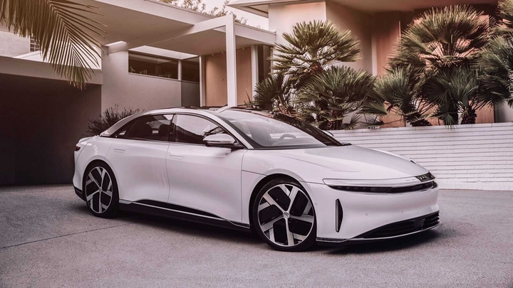 lucid-air-dream-edition-front-3-4-view.jpg