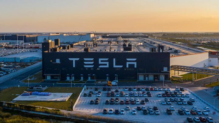 特斯拉超级工厂.jpg