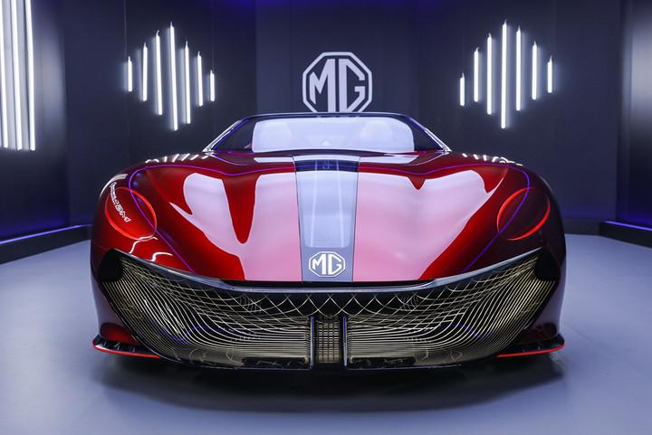 01_MG Cyberster全球首款纯电超跑电竞座驾.jpg