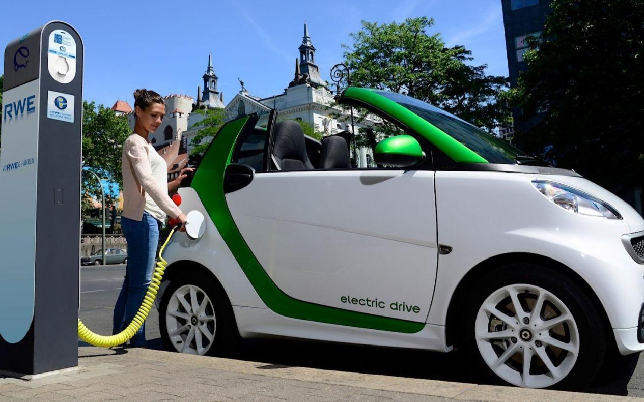 1740亿美元加强电动汽车供应链,美国将新装50万台充电桩