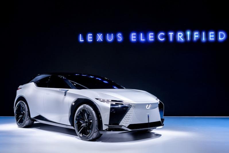 视频说车   Tazuna缰绳概念座舱 雷克萨斯概念车LF-Z全球首秀
