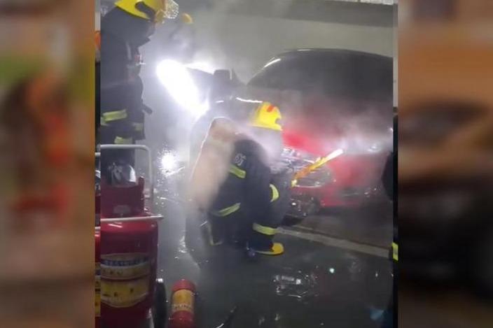 EV晨报   特斯拉上海工厂Model Y日产量达1,000辆;第50000辆小鹏汽车P7下线;广州一辆特斯拉发生地库起火事故