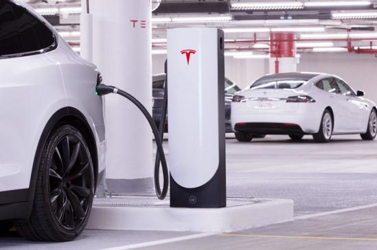 特斯拉提供V3充电桩电流,年底将向其他品牌开放超级充电站