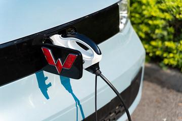 电动车冬天续航掉电?不存在的,看宏光MINI电动车冬暖黑科技